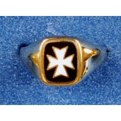 9 Carat Gold Knights of Malta Ring Cushion